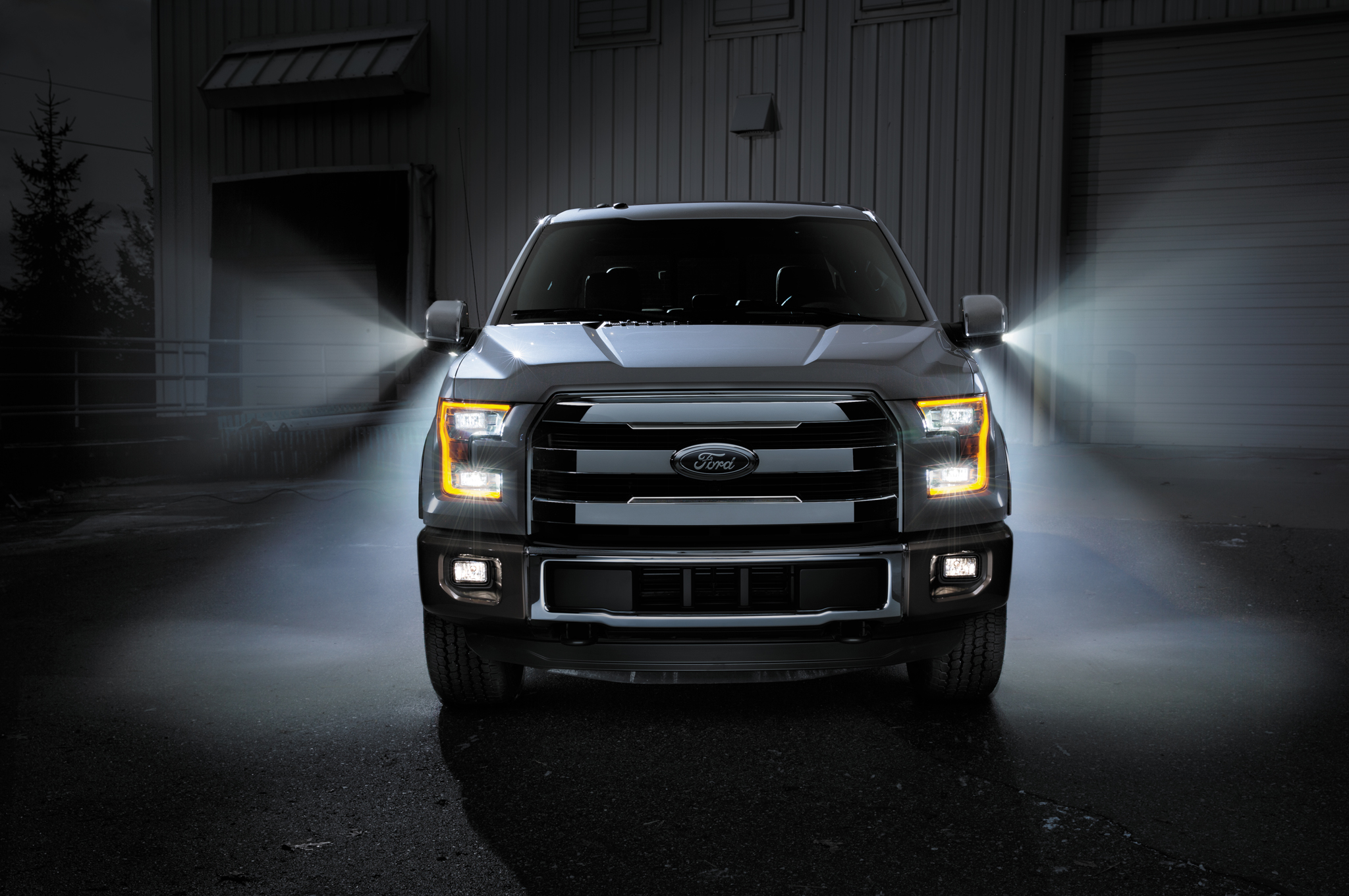 http imagemotortrendcom f blogs 1401_2015_ford_f_150_to_shine_bright_all_year_long 64912297 2015 ford f 150 front endjpg