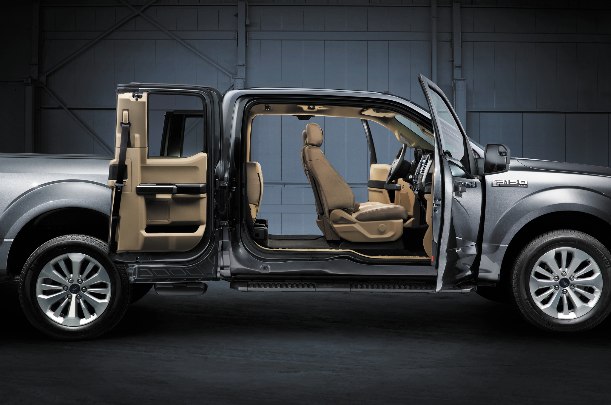 Http   Image.motortrend.com F  Blogs 1401_2015_ford_f_150_to_shine_bright_all_year_long 64912303 2015  Ford F 150 Interior View | Leith Ford Blog